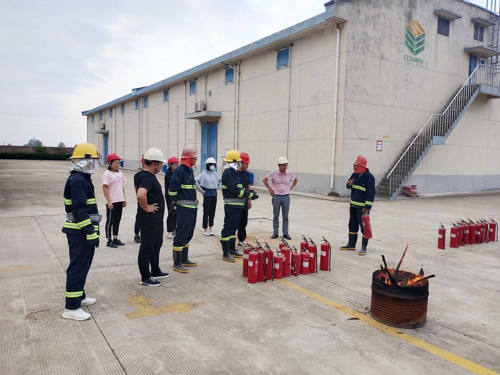 开展消防演练,提高员工应急救援能力